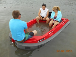 Swamping a plastic boat for survey