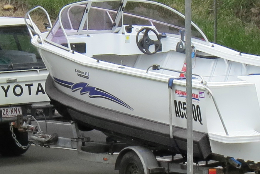 5.1m plate, Aquamaster, forward steer runabout