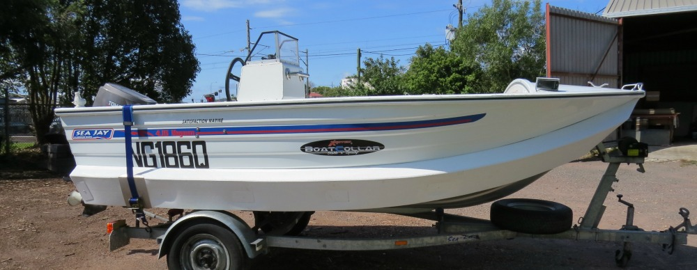 415 SeaJay Magnum, side console. Collar painted white to match boat.