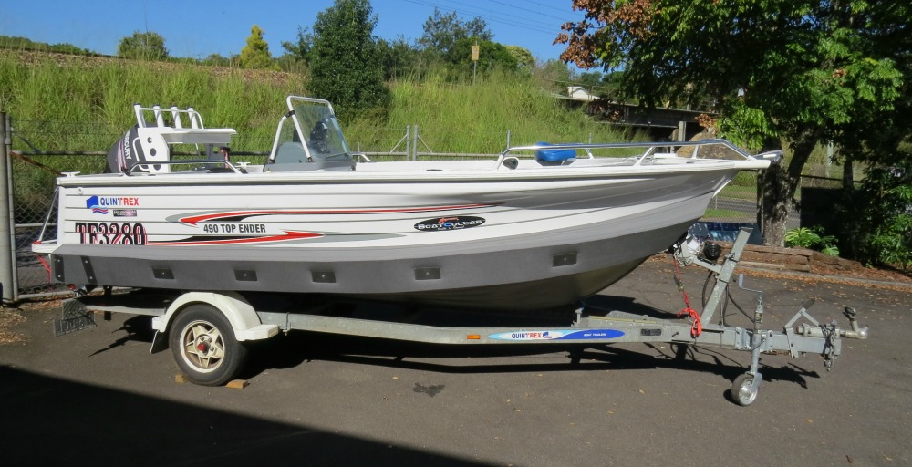 490 Quintrex Top Ender, Millenium Hull, side console with Max-66 Collar